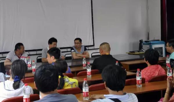 """【第一书记】张毅:把自己变为""""农民"""""""