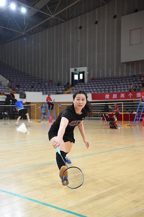 焦点和国度机合职工营谋会羽毛球竞争圆满收场