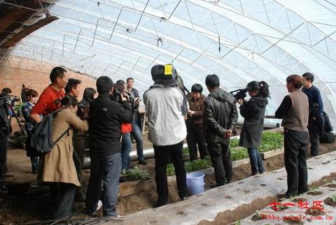 黑龙江省农业专家北极村授课实现远程教育网络直播图片